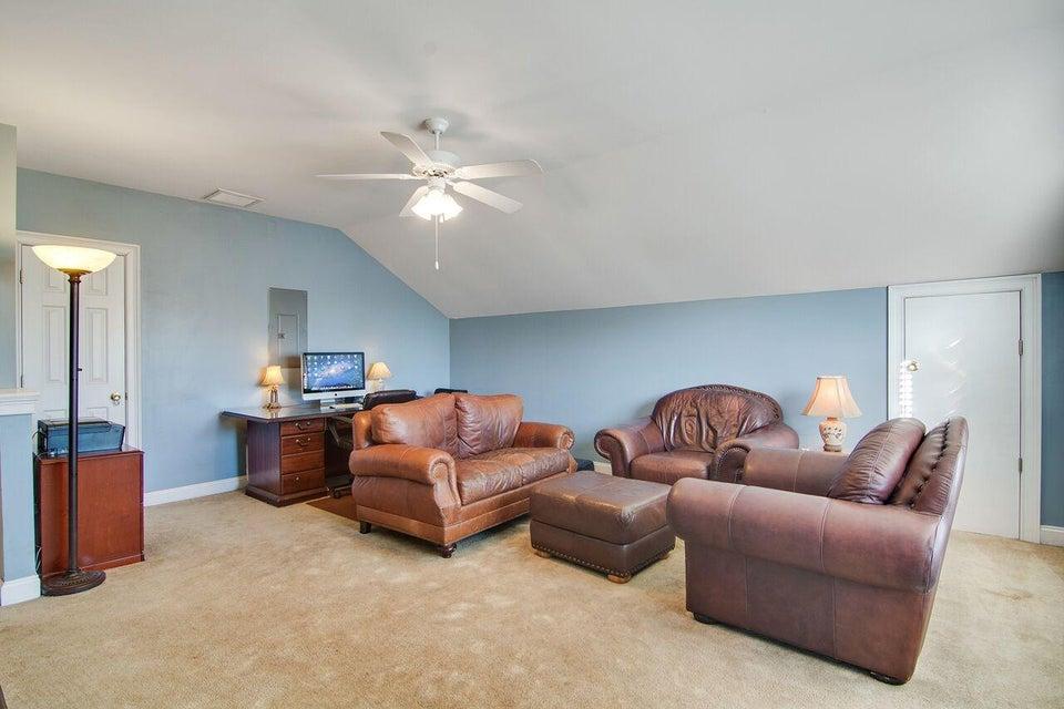 1121  Clearspring Drive Charleston, SC 29412