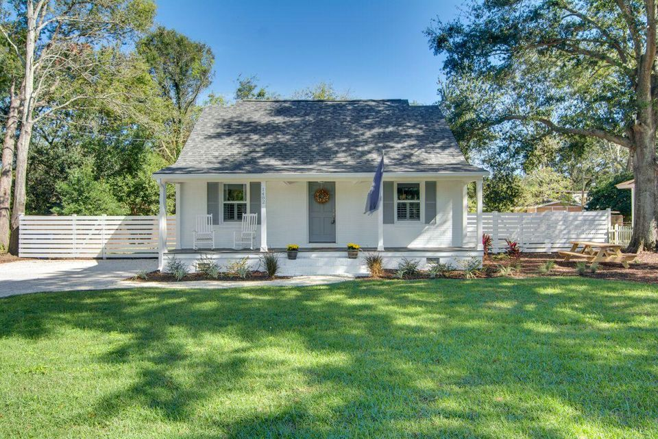1482  Simmons Street Mount Pleasant, SC 29464