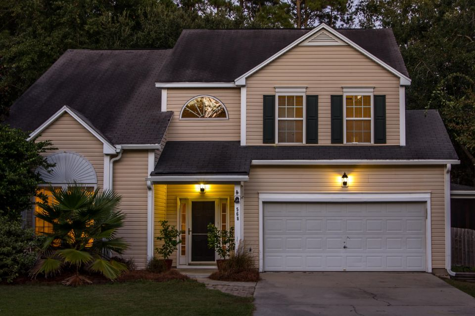 568  Oak Park Drive Mount Pleasant, SC 29464