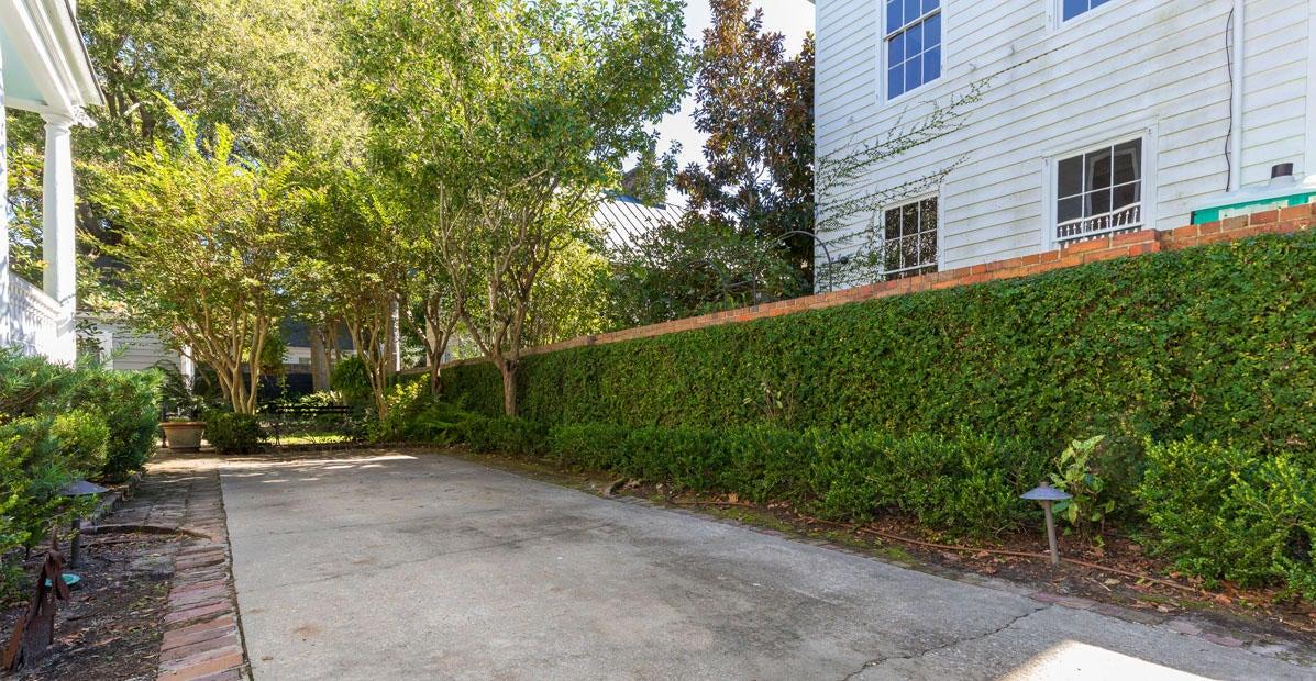 38  Legare Street Charleston, SC 29401