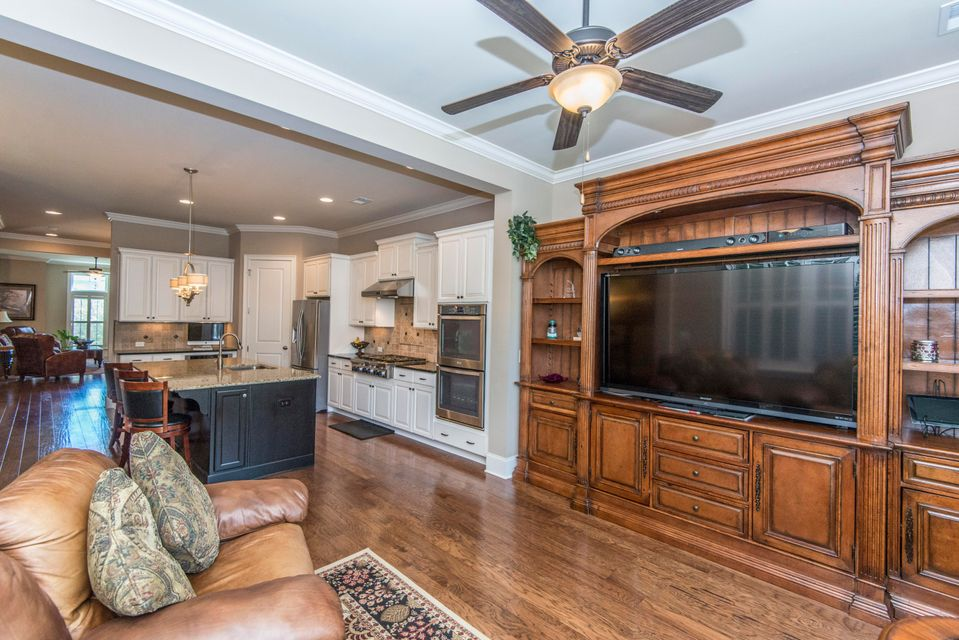 Mount Pleasant Executive Family Room