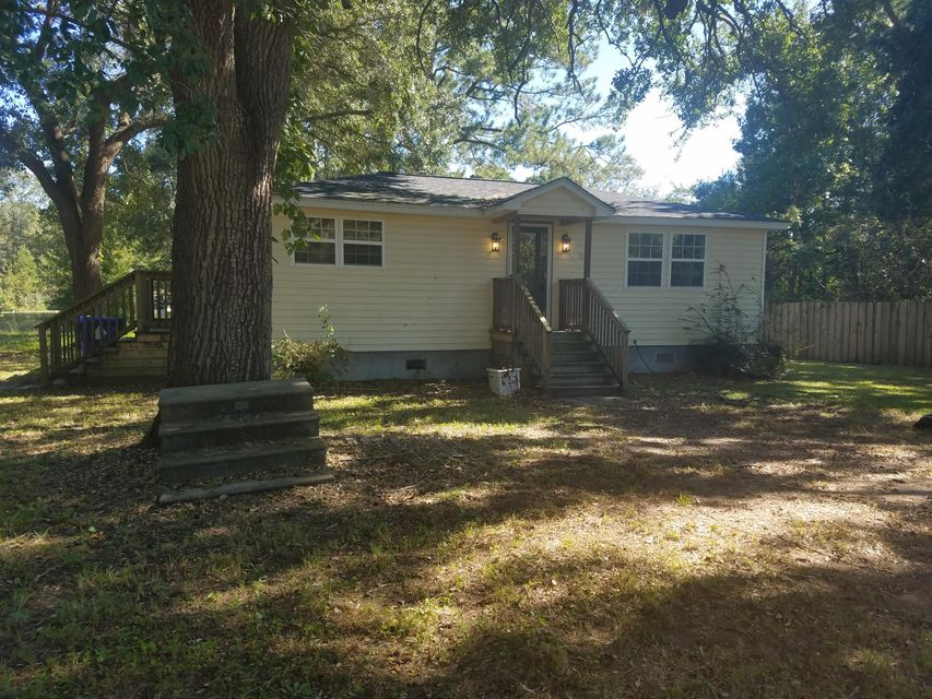1733  Labor Camp Road Mount Pleasant, SC 29464