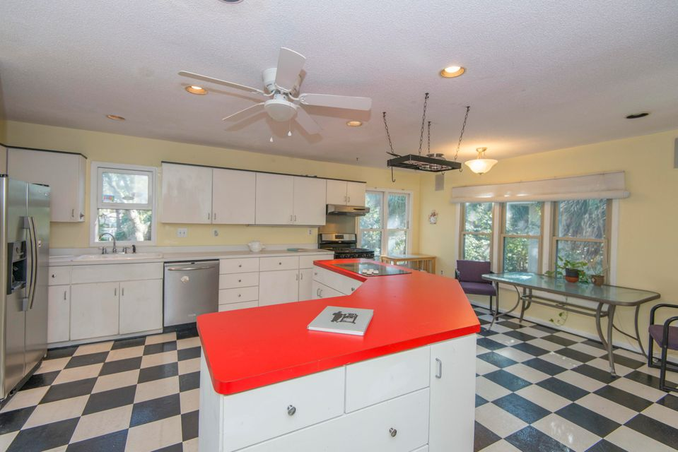 1010 E Erie Avenue Folly Beach, SC 29439