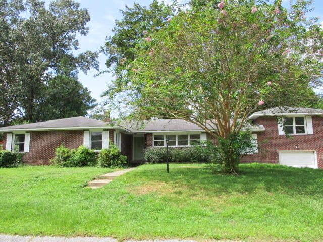 4961 France Avenue North Charleston, SC 29405