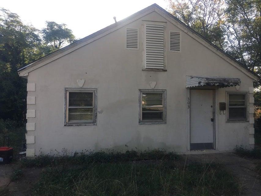 303  Highland Avenue Spartanburg, SC 29306