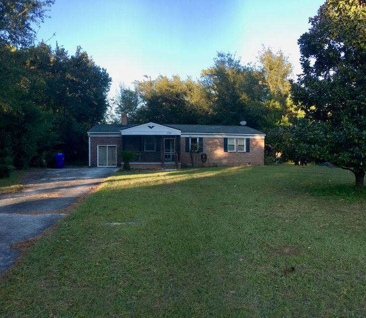 356  Hobcaw Drive Mount Pleasant, SC 29464