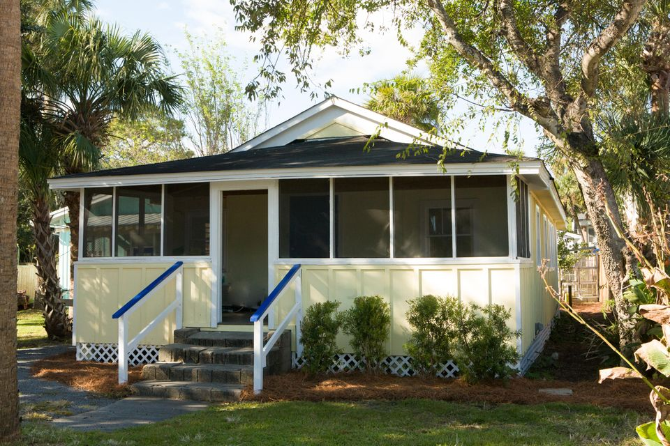 315 E Cooper Avenue Folly Beach, SC 29439