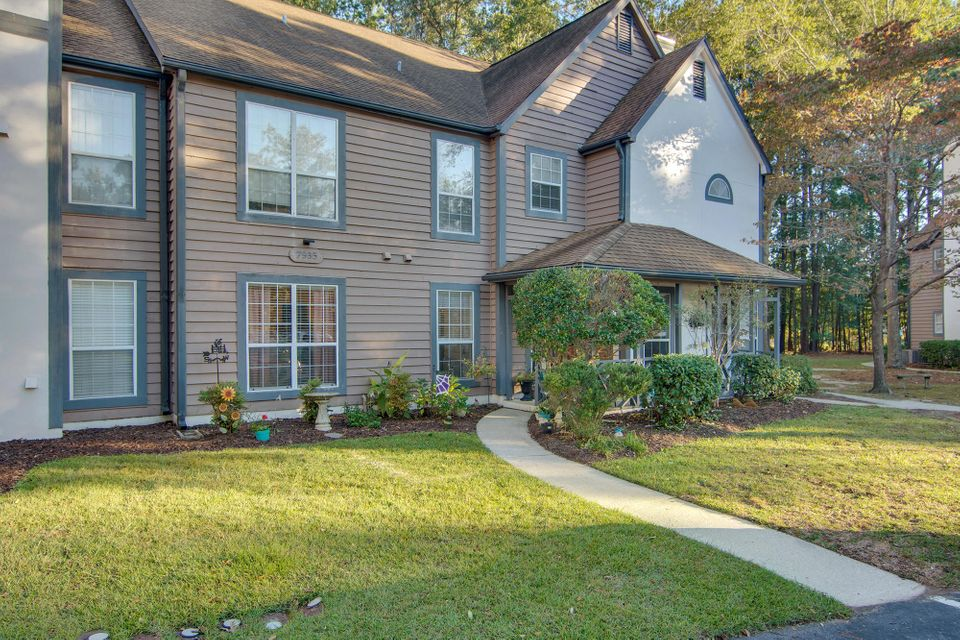 7935  Edgebrook Circle North Charleston, SC 29418