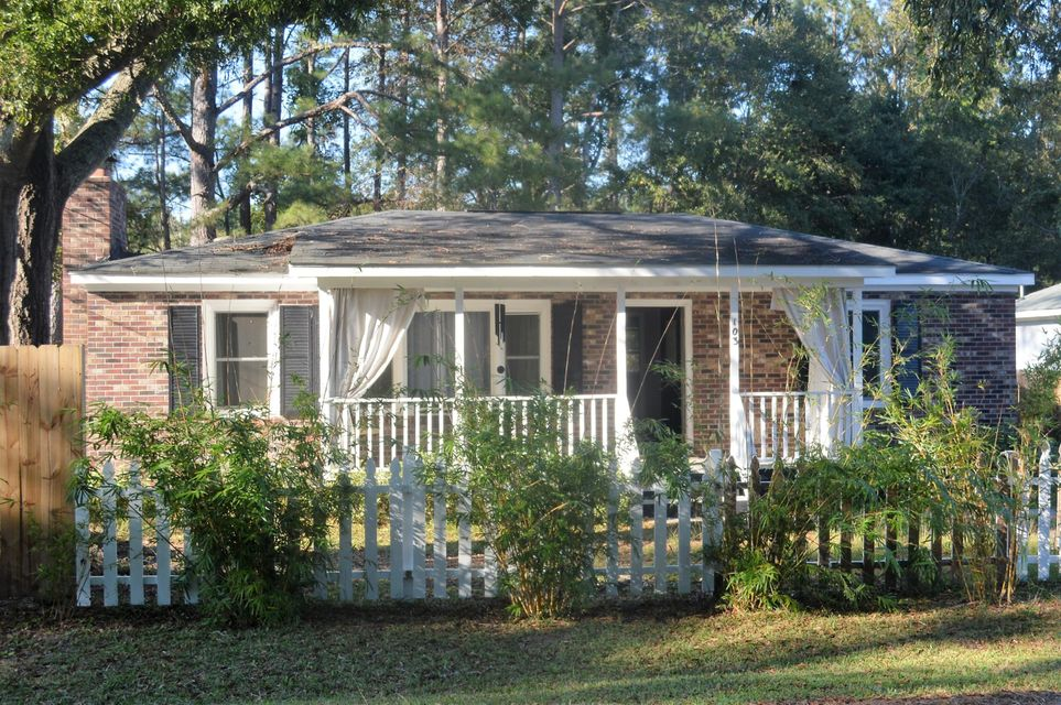 103  Stephanie Circle Summerville, SC 29483
