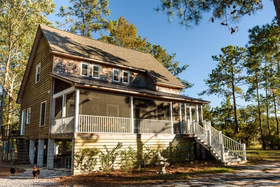 1711  Yellow House Road Wadmalaw Island, SC 29487