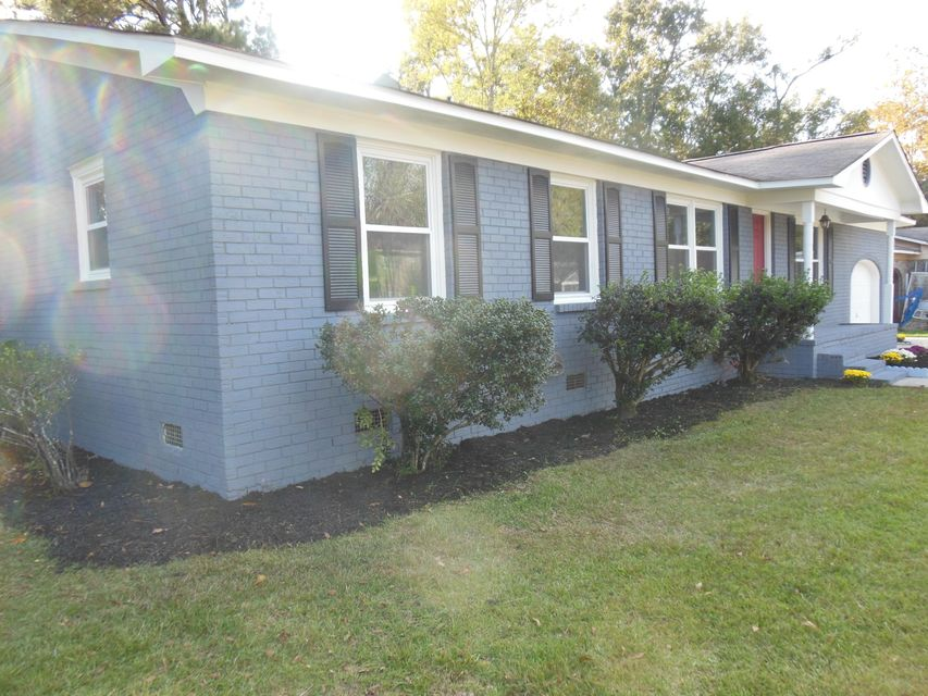 104  Six Iron Lane Summerville, SC 29483