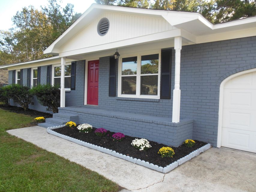 104  Six Iron Lane Summerville, SC 29483
