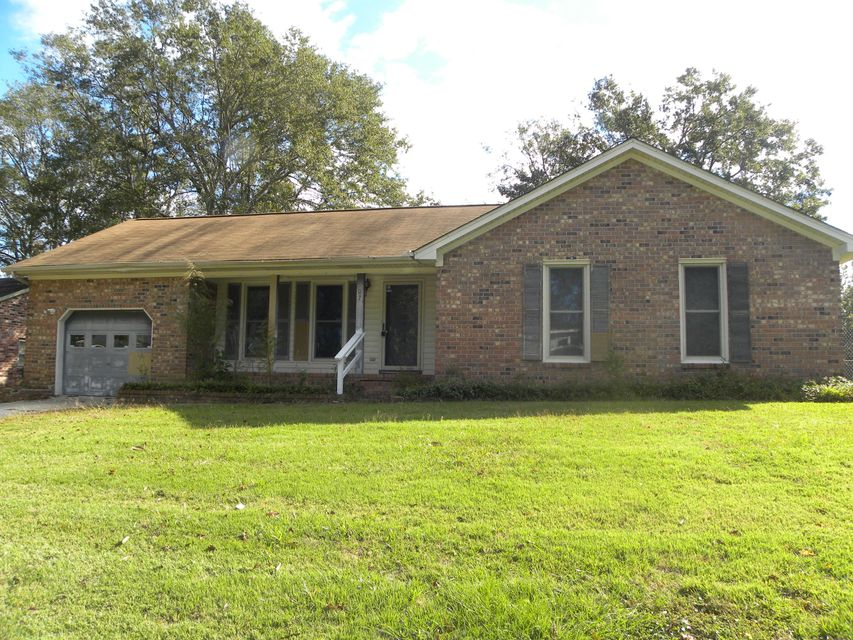 107  Essex Avenue Goose Creek, SC 29445