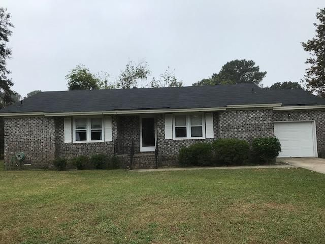 1162  Main Canal Drive Mount Pleasant, SC 29464