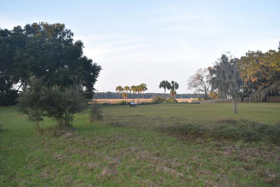 2688  Bohicket Road Johns Island, SC 29455