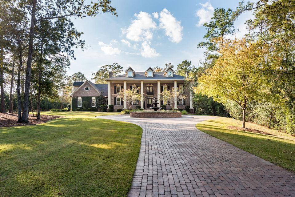 649  Commonwealth Road Mount Pleasant, SC 29466