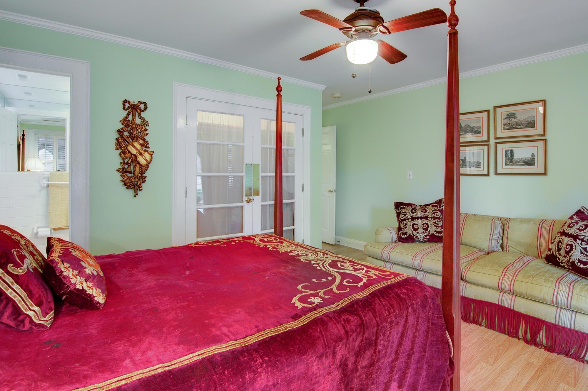1323 S Edgewater Drive Charleston, SC 29407