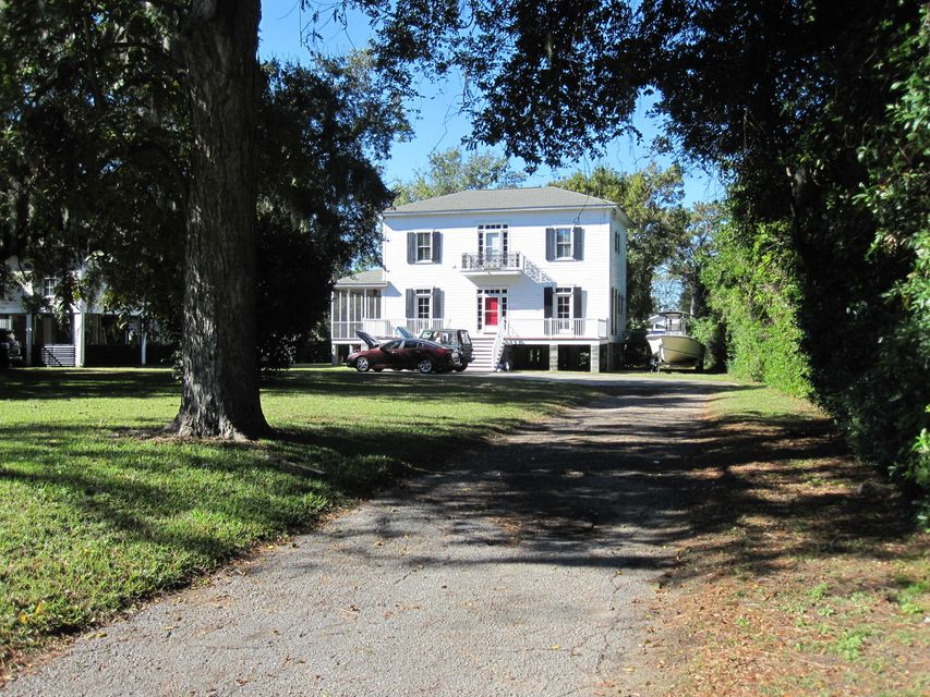 134 Folly Road Boulevard Charleston, SC 29407