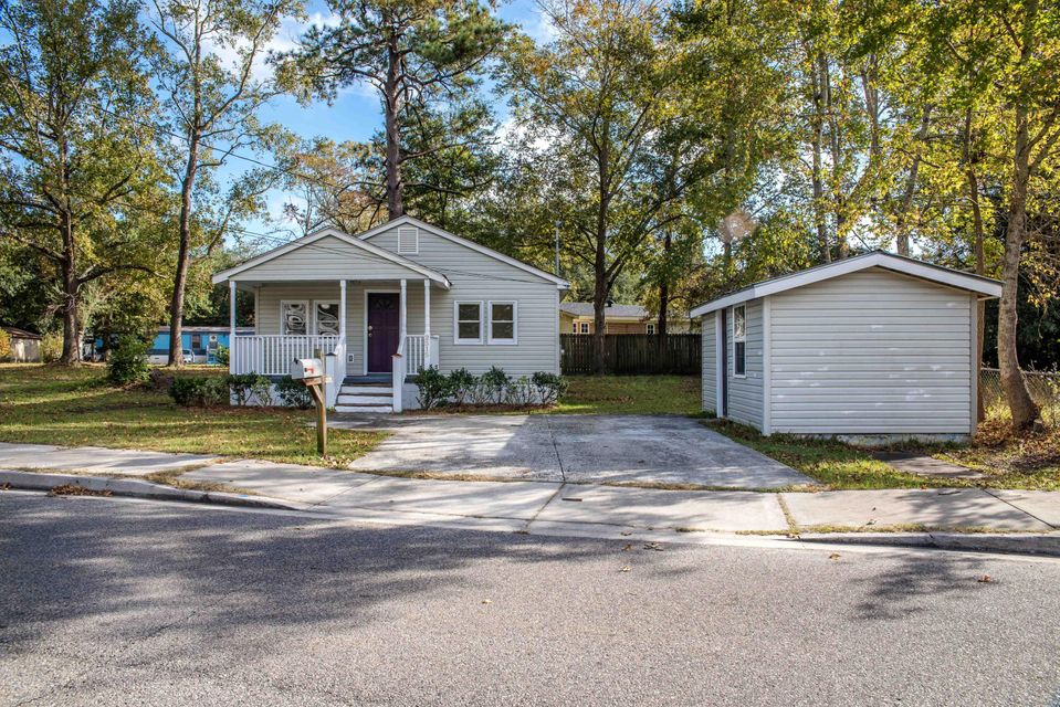 2515  Jonah Street North Charleston, SC 29406