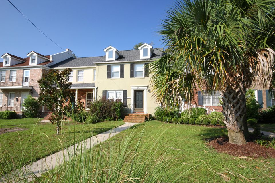 947  Cottingham Drive Mount Pleasant, SC 29464