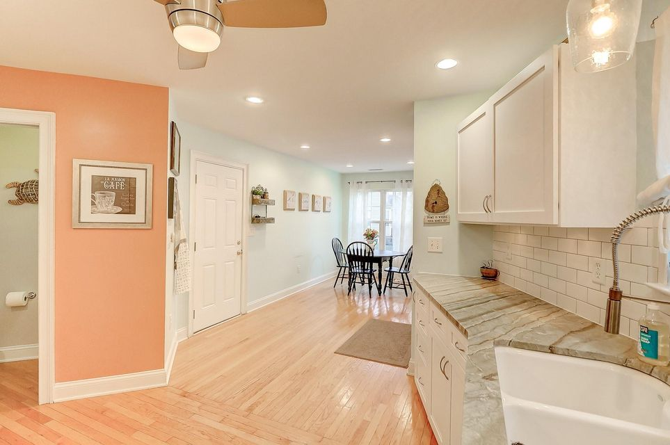 1541 Ocean Neighbors Boulevard Charleston, SC 29412