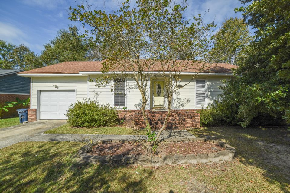 8215 N Ridgebrook Drive North Charleston, SC 29420