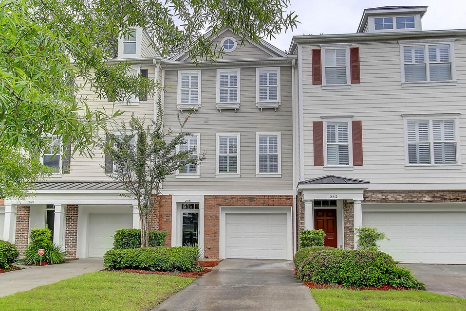 256  Fair Sailing Road Mount Pleasant, SC 29466
