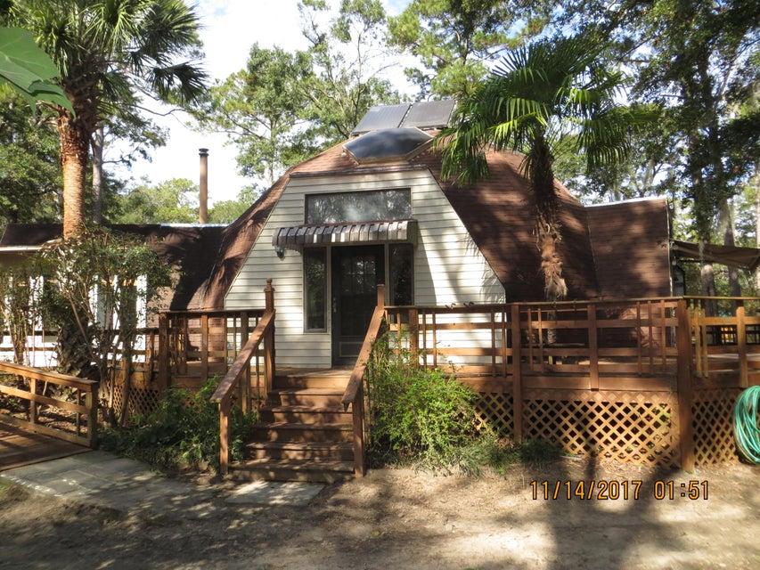 8595  Raccoon Island Road Edisto Island, SC 29438