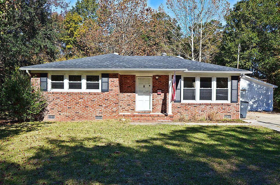 1106  Sherwood Street North Charleston, SC 29405