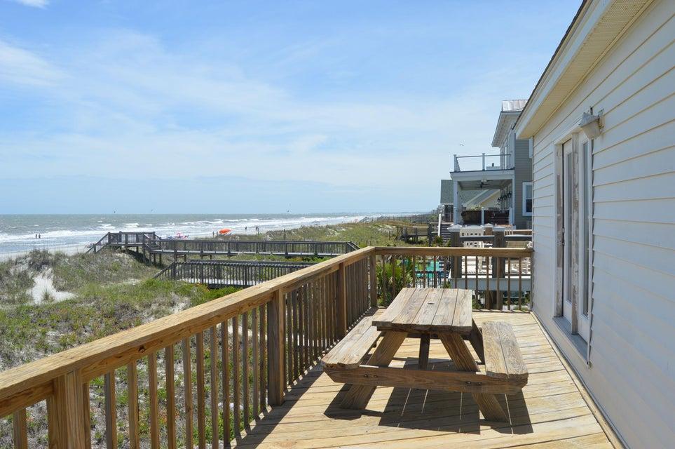 513 W Ashley Ave Folly Beach, SC 29439