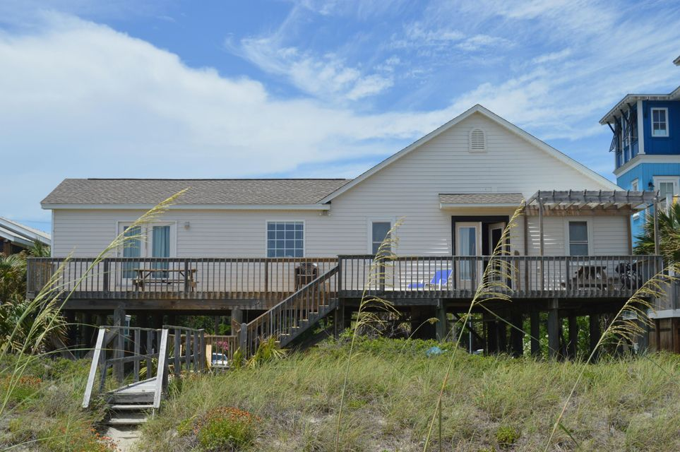 513 W Ashley Ave Folly Beach, SC 29439
