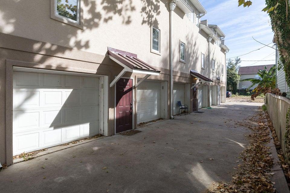 24 Strawberry Lane Charleston, SC 29403