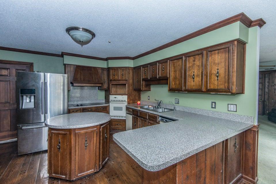 400 Lakeview Drive Summerville, SC 29485