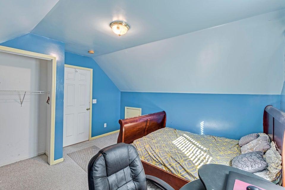 8110 Honeysuckle Lake Drive Charleston, SC 29420