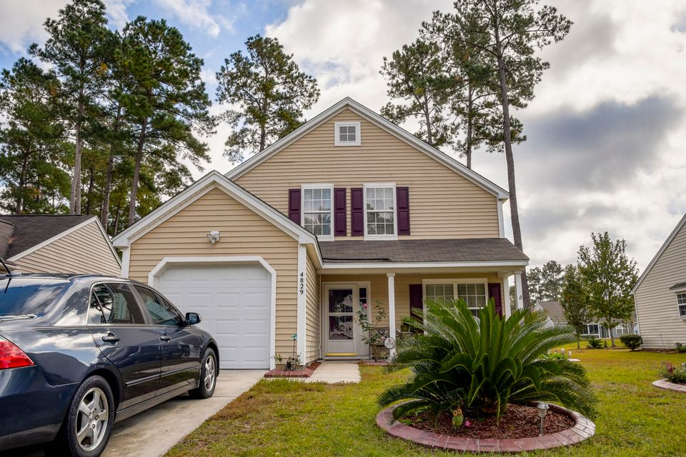 4829  Oak Leaf Road Summerville, SC 29485