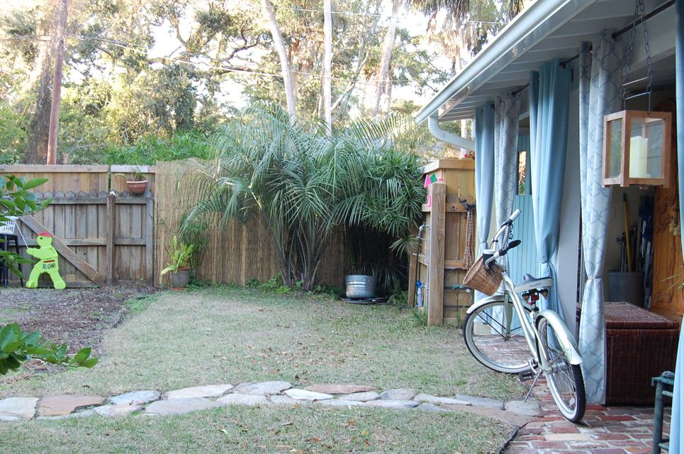 115 E Erie Avenue Folly Beach, SC 29439