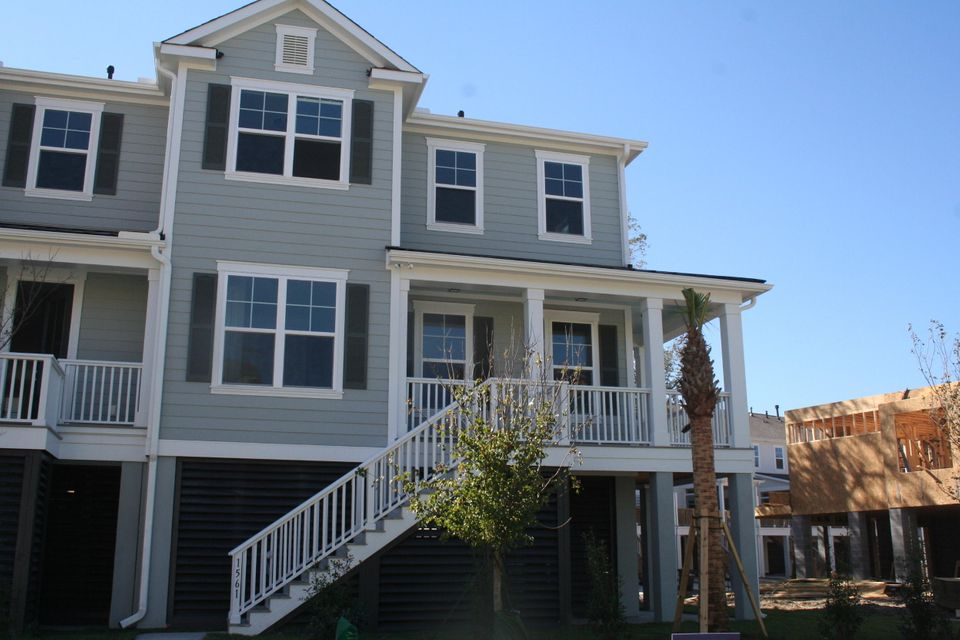 1561  Prince Edward Street Mount Pleasant, SC 29466