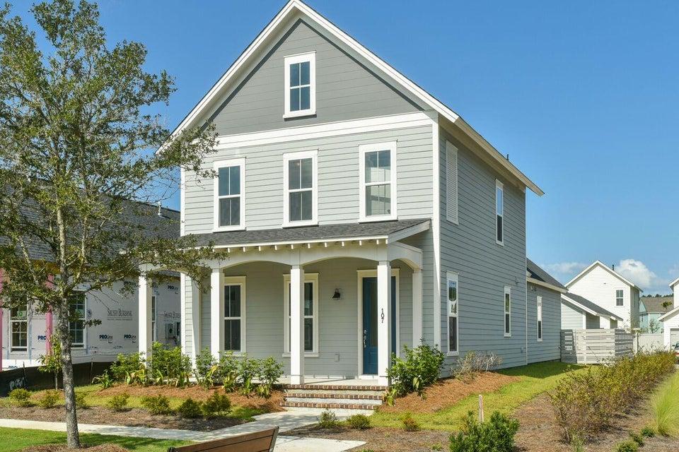 107  Clear Bend Lane Summerville, SC 29483