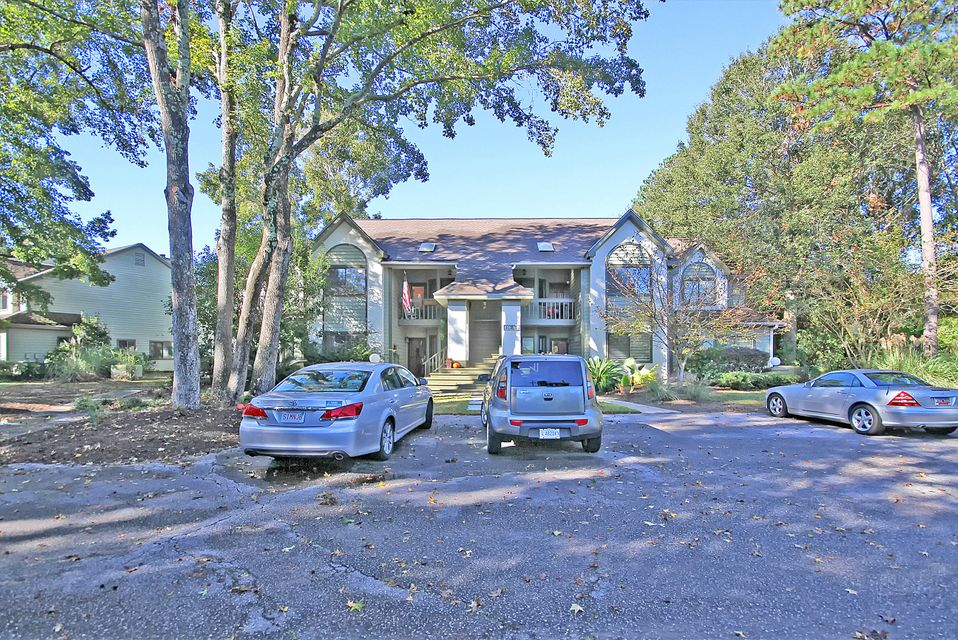 858  Catalpa Court Mount Pleasant, SC 29464