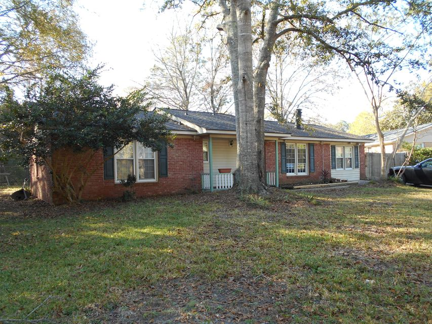 105  Lionel Lane Summerville, SC 29483