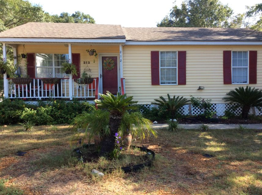 212  Greenwich Street Mount Pleasant, SC 29464