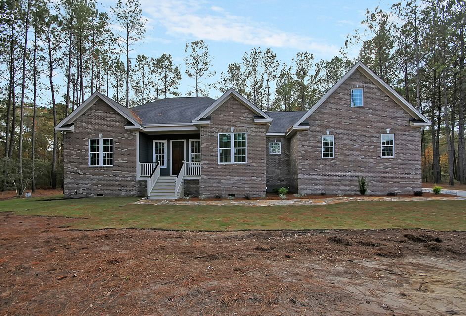 6441  Farm House Road Ravenel, SC 29470