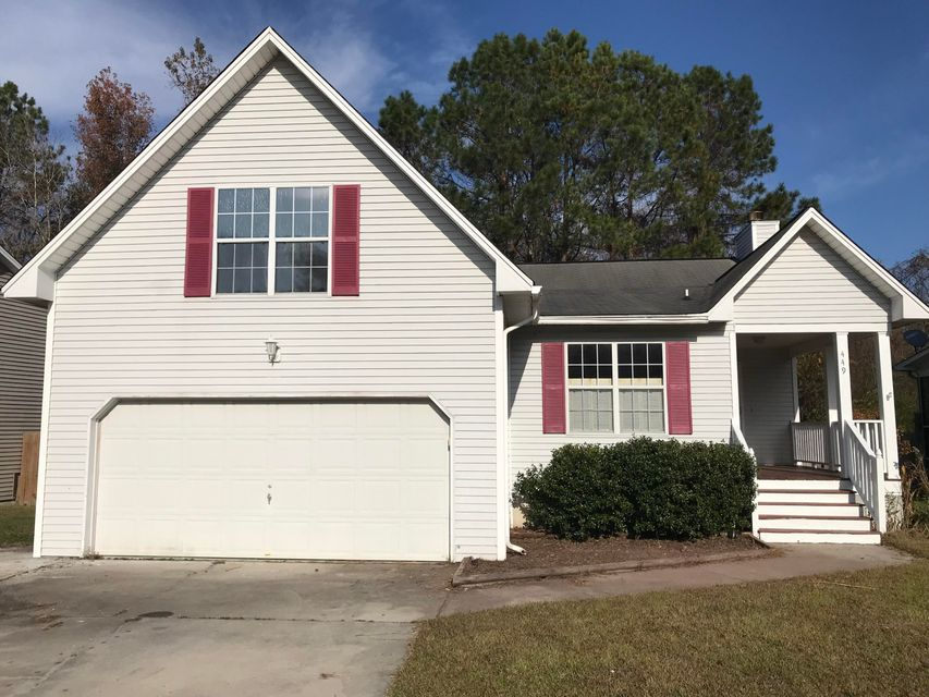 449 Courtland Summerville, SC 29483