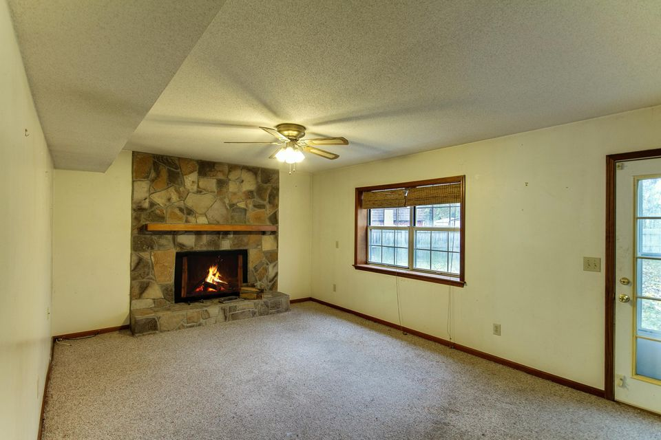 121 Trestlewood Drive Summerville, SC 29483