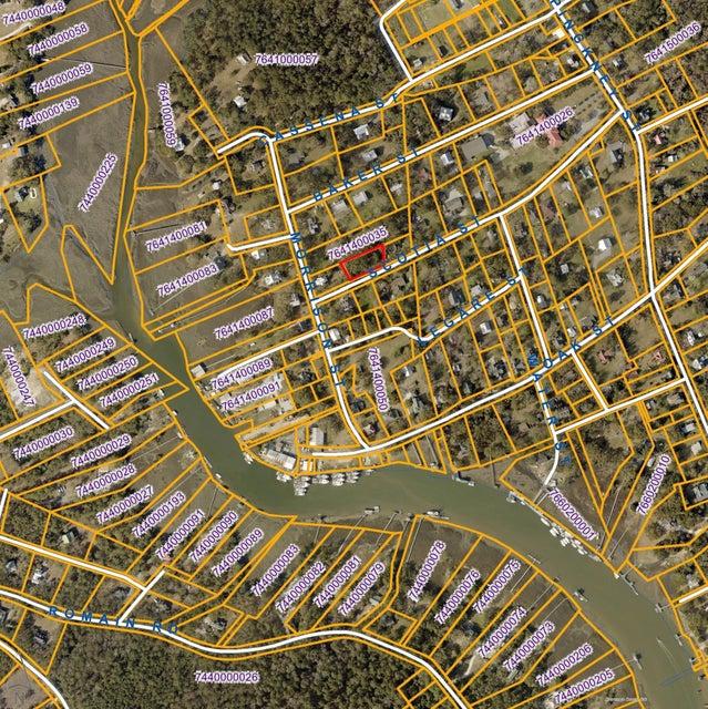 114  Scotia Street Mcclellanville, SC 29458