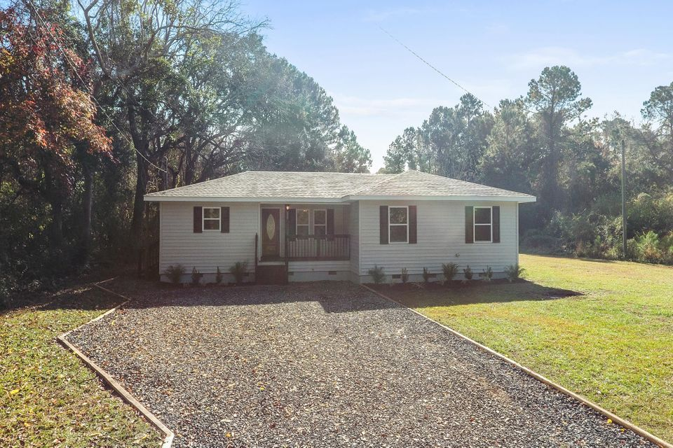537  Society Road Mcclellanville, SC 29458