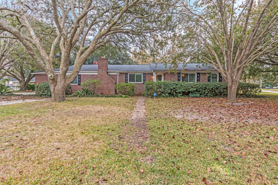 1923 Swift Avenue Charleston, SC 29407