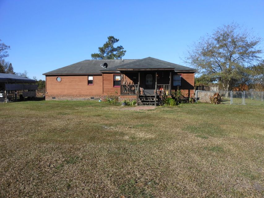 125  Woody Lane Bonneau, SC 29431