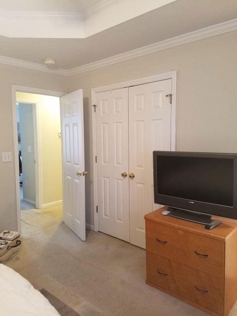 2042  Wadsbury Lane Charleston, SC 29414