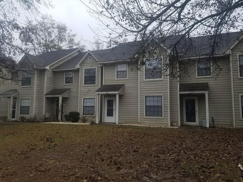 1682  Hunters Run Drive Mount Pleasant, SC 29464